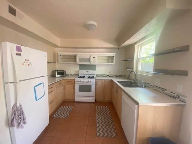 1658 Calle De Oriente N, Santa Fe, NM 87507 (MLS #202103580) :: Neil Lyon Group | Sotheby's International Realty