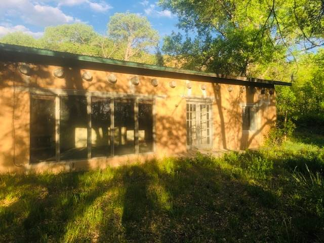 30 Camino De Los Bacas, Chimayo, NM 87522 (MLS #202000843) :: Berkshire Hathaway HomeServices Santa Fe Real Estate