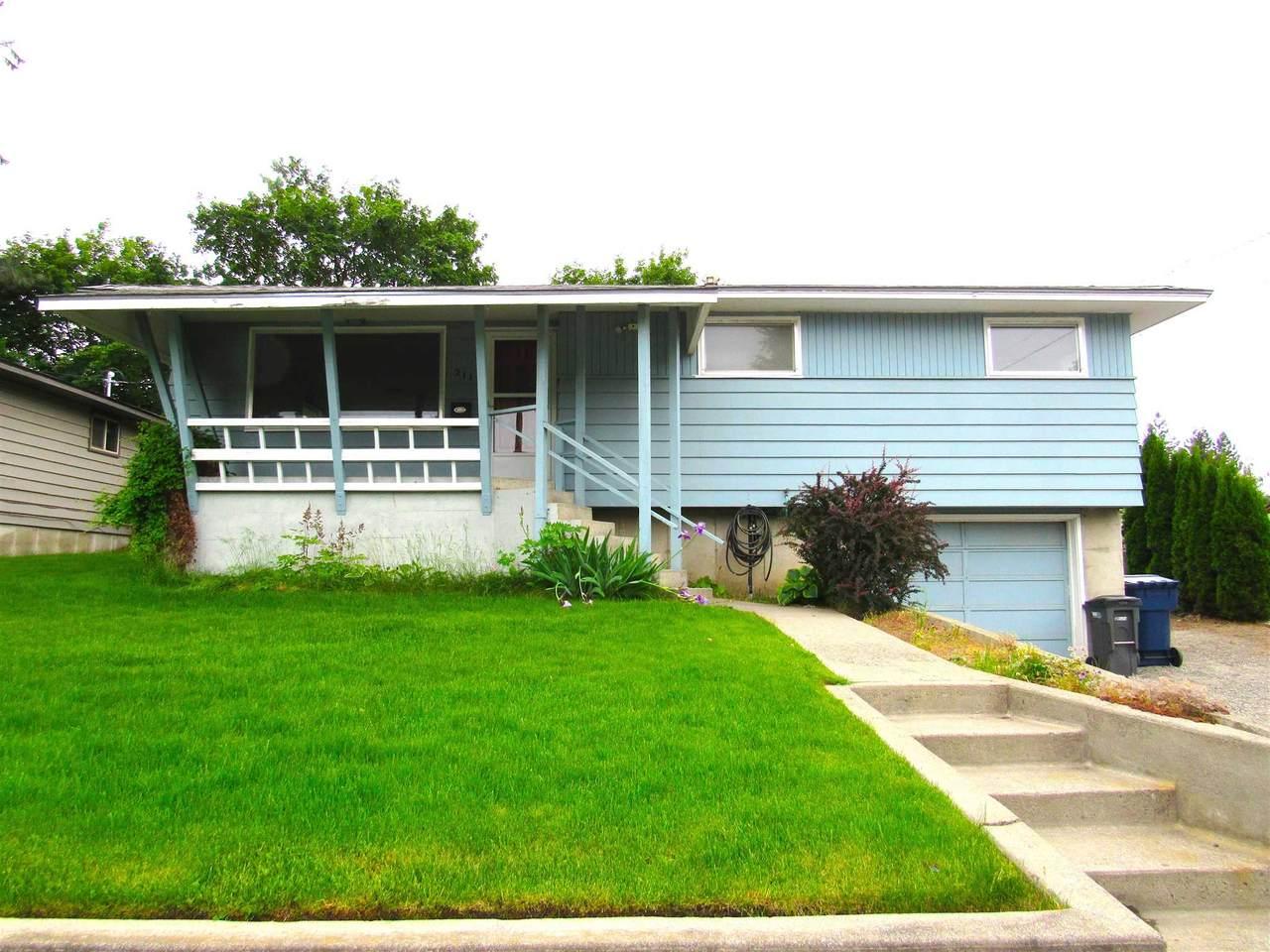 211 Lyons Ave - Photo 1