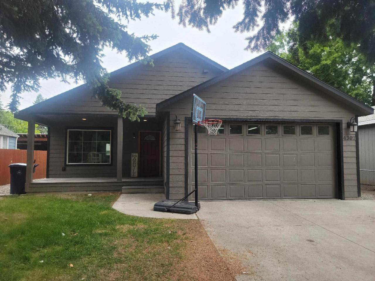 4307 8th Ave - Photo 1
