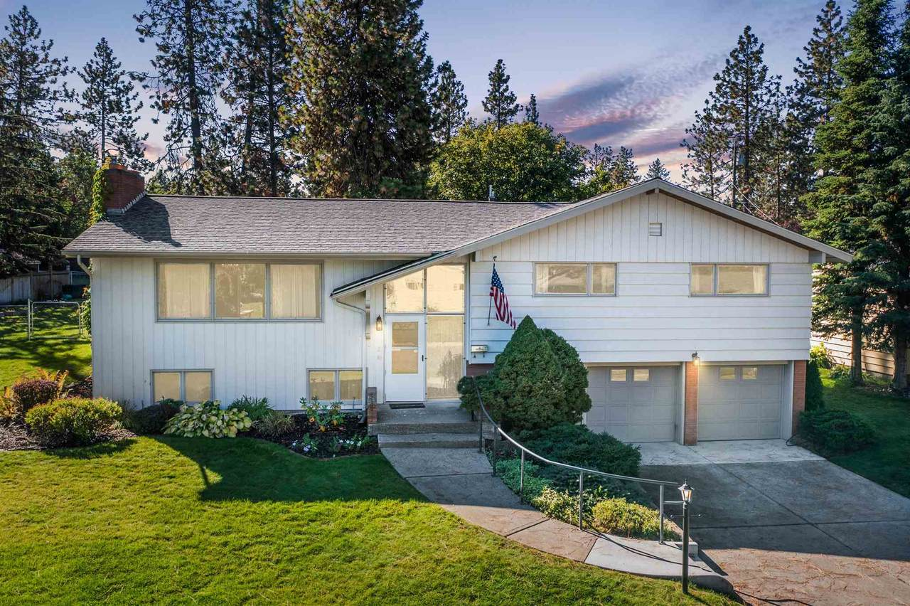 1528 38th Ave - Photo 1