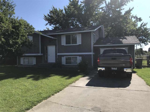 4606 N Silas Rd, Spokane Valley, WA 99216 (#201721356) :: The Hardie Group