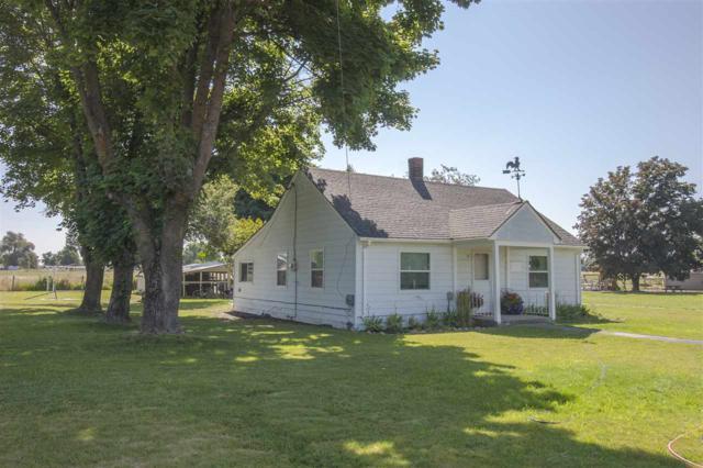 5212 N Kenney Rd, Otis Orchards, WA 99027 (#201721361) :: The Hardie Group