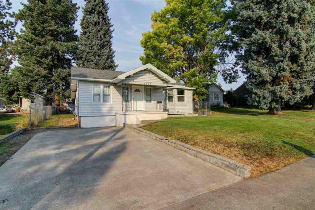 4727 N Lincoln St, Spokane, WA 99205 (#201724909) :: The Spokane Home Guy Group