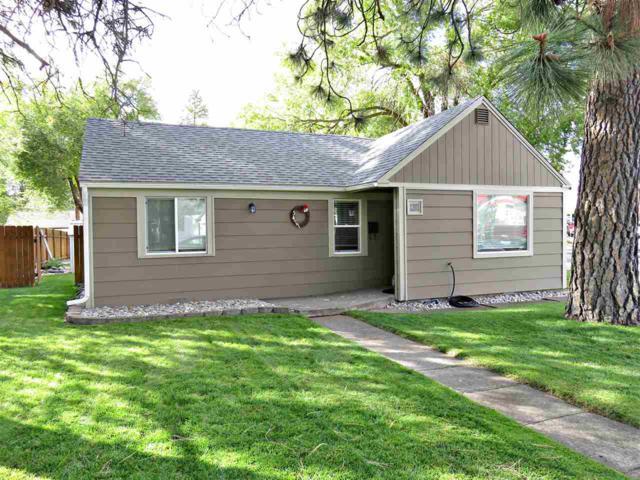 5427 N Maple St, Spokane, WA 99205 (#201726147) :: The Hardie Group