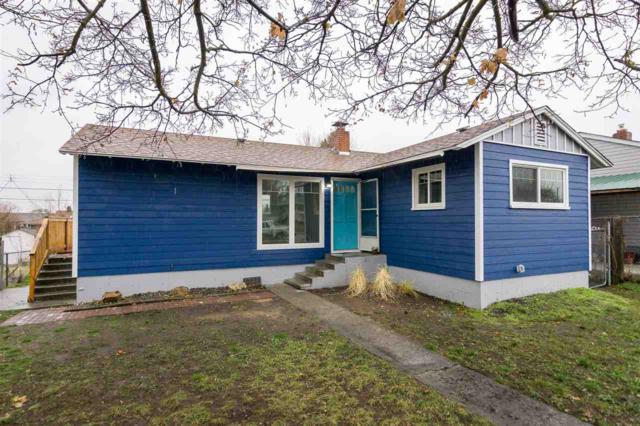 3824 E Cleveland Ave, Spokane, WA 99217 (#201727511) :: The Hardie Group