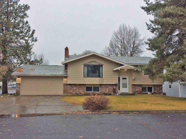 7203 N Lidgerwood Ct, Spokane, WA 99208 (#201727536) :: 4 Degrees - Masters