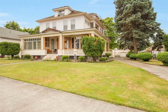 2615 W Maxwell Ave, Spokane, WA 99201 (#201811575) :: The Spokane Home Guy Group
