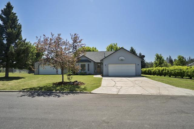 1128 E 4th St, Deer Park, WA 99006 (#201817885) :: Northwest Professional Real Estate