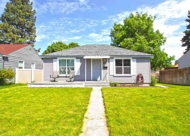 2218 W Queen Ave, Spokane, WA 99205 (#201817899) :: The Synergy Group