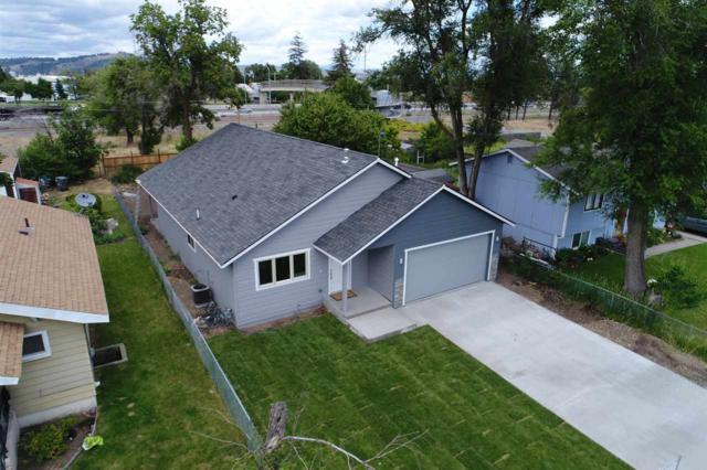 4611 E 5TH Ave, Spokane Valley, WA 99212 (#201819186) :: The Spokane Home Guy Group
