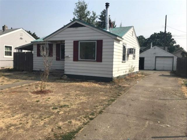 614 E Longfellow Ave, Spokane, WA 99207 (#201823000) :: Northwest Professional Real Estate