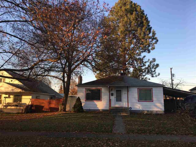 1017 E Queen Ave, Spokane, WA 99207 (#201827136) :: The Hardie Group