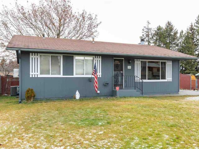 703 E Cascade Pl, Spokane, WA 99208 (#201828034) :: The Spokane Home Guy Group
