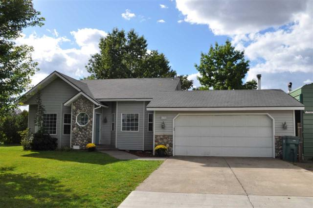 2067 N Ridgeview Dr, Post Falls, ID 83854 (#201911068) :: 4 Degrees - Masters