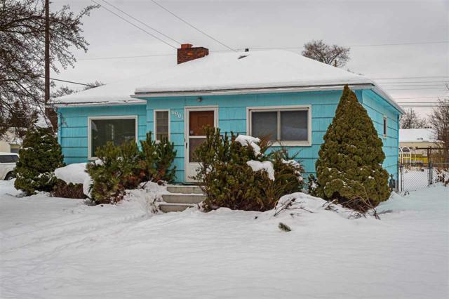 6901 E 3rd Ave, Spokane Valley, WA 99212 (#201911725) :: April Home Finder Agency LLC