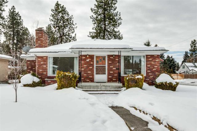 427 W Columbia Ave, Spokane, WA 99205 (#201912804) :: The Hardie Group