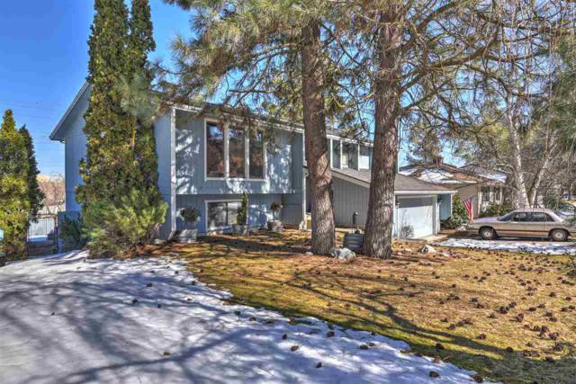 10806 N College Place Dr, Spokane, WA 99218 (#201912880) :: THRIVE Properties