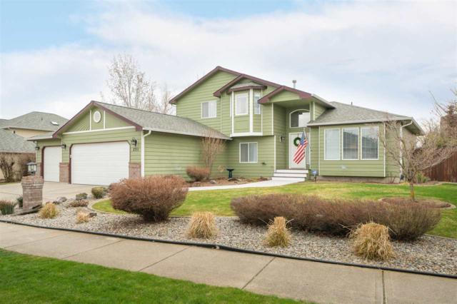 2711 W Cascade Way, Spokane, WA 99208 (#201914323) :: April Home Finder Agency LLC