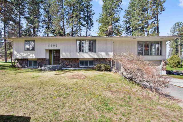 1706 S Bettman Rd, Spokane Valley, WA 99212 (#201914459) :: April Home Finder Agency LLC