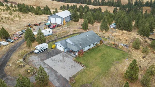 8911 S Wild Hare Ln, Mica, WA 99023 (#201914604) :: The Hardie Group