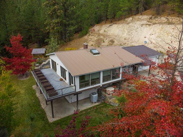 4101 Ali Vista Way, Loon Lake, WA 99148 (#201916091) :: The Synergy Group