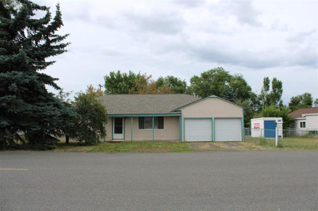 12516 W 13th Ave, Airway Heights, WA 99001 (#201918651) :: Top Spokane Real Estate