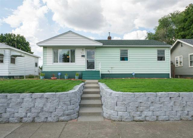 1217 E Providence Ave, Spokane, WA 99207 (#201919563) :: Top Spokane Real Estate