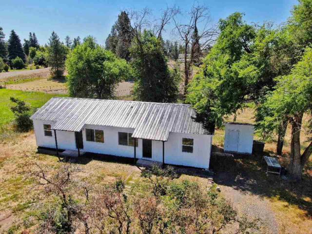 2912 S Windsor Rd, Spokane, WA 99224 (#201919940) :: Chapman Real Estate