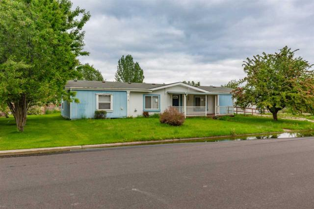 237 E Meadowmere Rd, Deer Park, WA 99006 (#201920108) :: The Spokane Home Guy Group