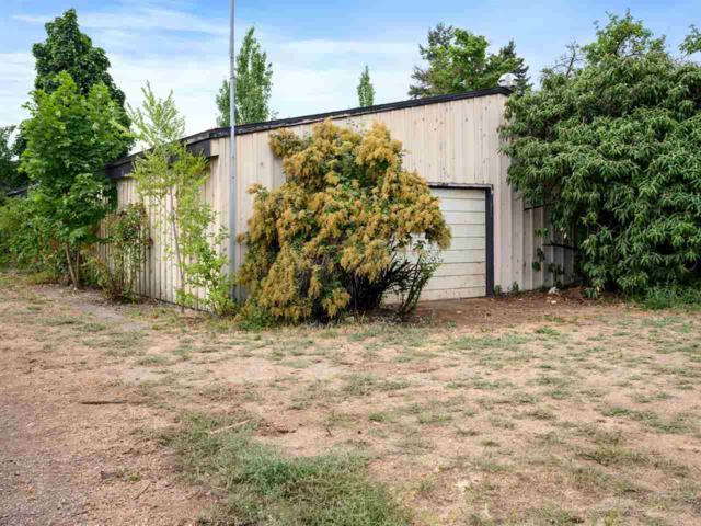 3008 E Providence Ave, Spokane, WA 99207 (#201920565) :: Northwest Professional Real Estate