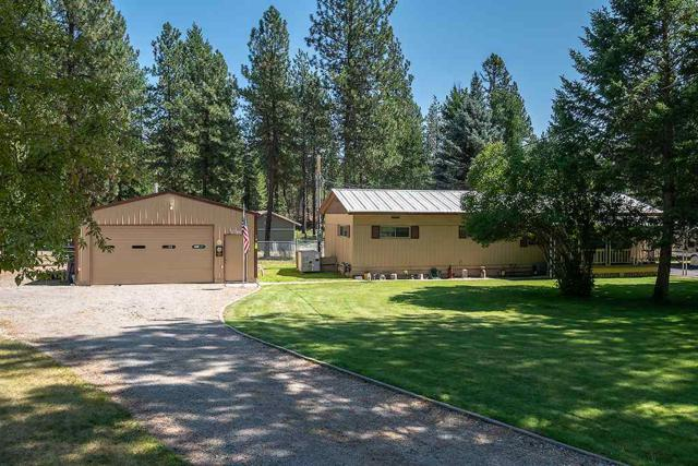 27724 N Bear Lake Rd, Chattaroy, WA 99003 (#201921149) :: The Spokane Home Guy Group