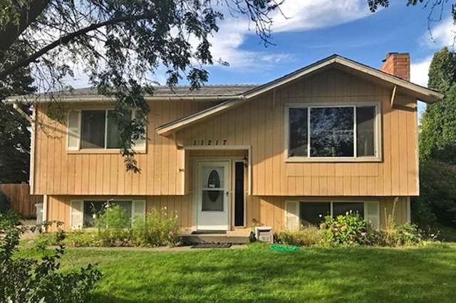 11217 E Fairview Ave, Spokane Valley, WA 99206 (#201923623) :: 4 Degrees - Masters