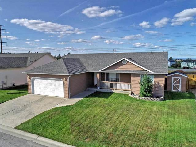 8609 E Bull Pine Ln, Spokane, WA 99217 (#201925225) :: Northwest Professional Real Estate