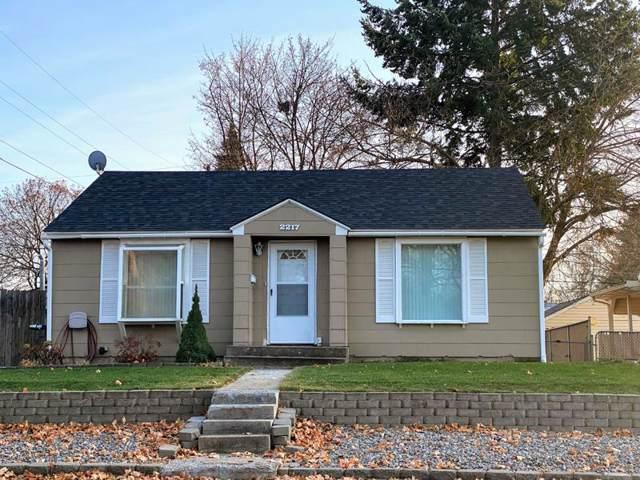 2217 W Rowan Ave, Spokane, WA 99205 (#201926282) :: Chapman Real Estate