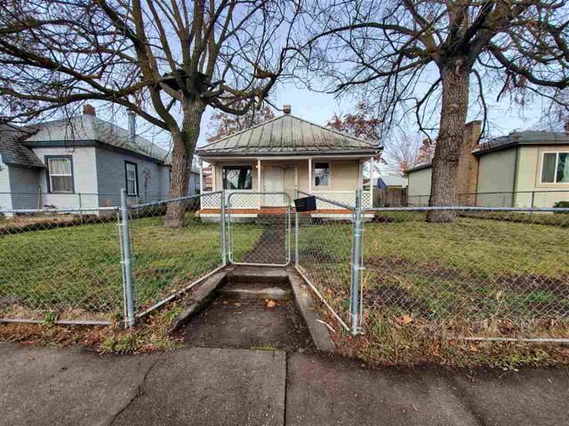 827 E Gordon Ave, Spokane, WA 99207 (#201926394) :: THRIVE Properties