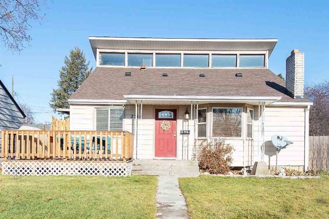 2304 W Queen Ave, Spokane, WA 99205 (#201926575) :: The Synergy Group