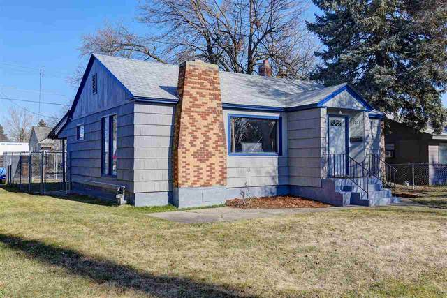 1017 E Princeton Ave, Spokane, WA 99207 (#202011774) :: Elizabeth Boykin & Keller Williams Realty