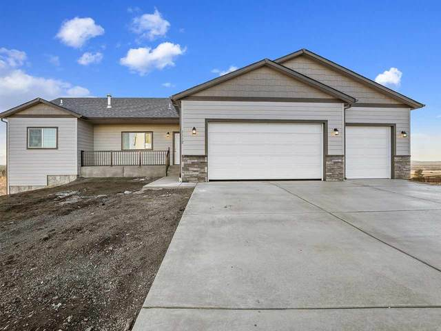 1112 N Courtney Ct, Medical Lake, WA 99022 (#202011825) :: Prime Real Estate Group