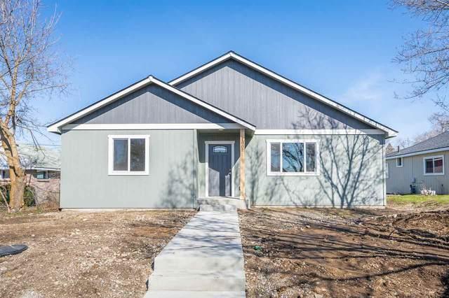 1807 E Lacrosse Ave, Spokane, WA 99207 (#202013111) :: The Spokane Home Guy Group