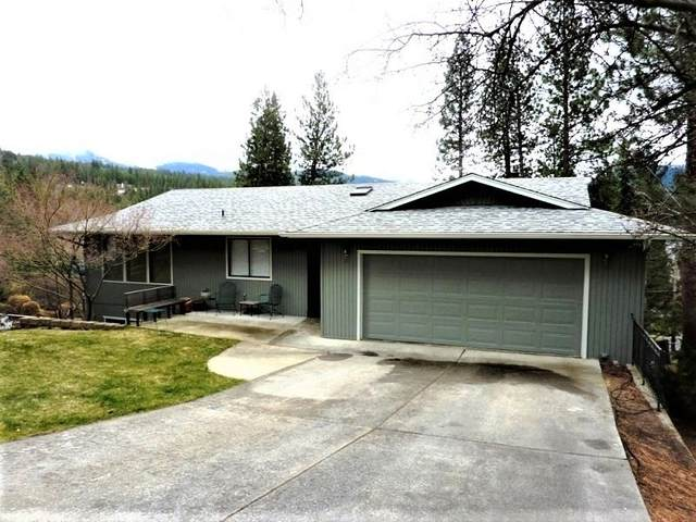 109 S Overlook, Liberty Lake, WA 99019 (#202013659) :: The Spokane Home Guy Group