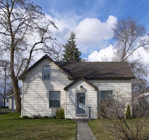 1717 E Sanson Ave, Spokane, WA 99207 (#202013786) :: The Spokane Home Guy Group