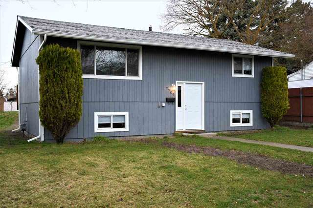 2709 E Longfellow Ave, Spokane, WA 99207 (#202013972) :: The Spokane Home Guy Group