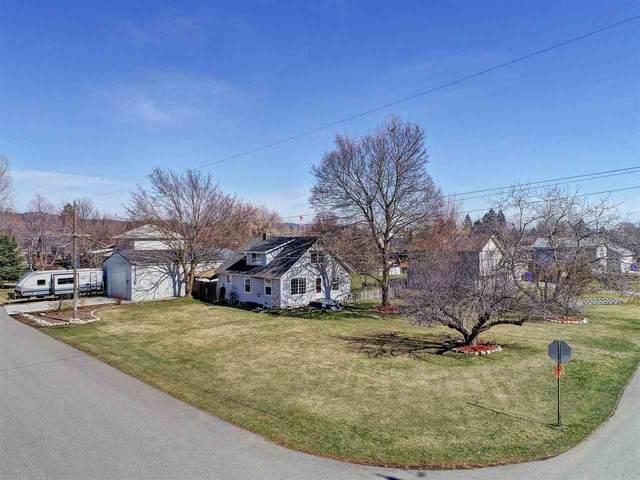 17905 E Montgomery Ave, Spokane Valley, WA 99016 (#202015899) :: Chapman Real Estate