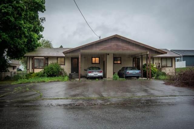 11809 E Valleyway Ave, Spokane Valley, WA 99206 (#202015956) :: Chapman Real Estate