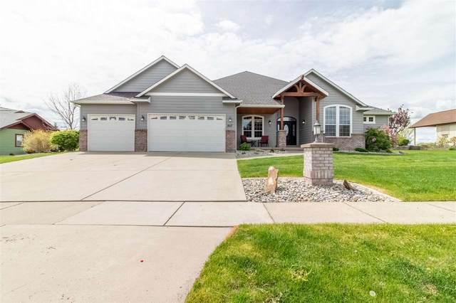 907 N Country Club Dr, Deer Park, WA 99006 (#202015995) :: Five Star Real Estate Group