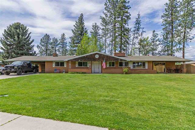 12427 N Nine Mile Rd, Nine Mile Falls, WA 99026 (#202016032) :: Top Agent Team