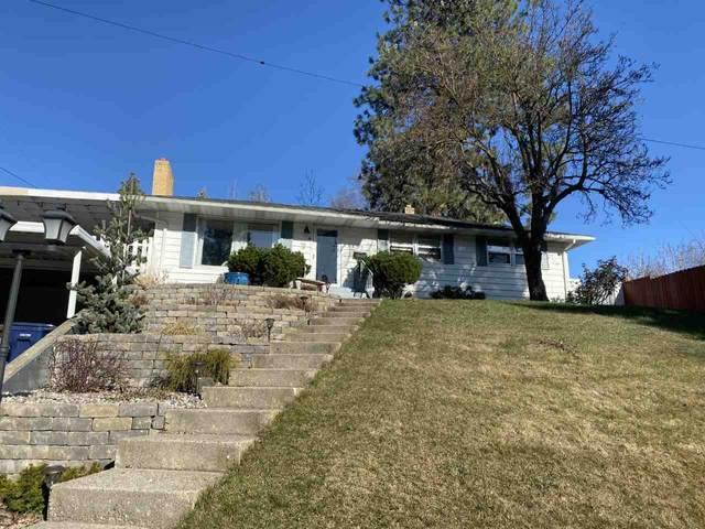 3125 W Circle Pl, Spokane, WA 99205 (#202016048) :: Northwest Professional Real Estate
