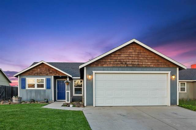 227 S Solar St, Airway Heights, WA 99001 (#202016243) :: The Hardie Group