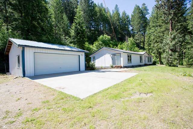 1448 N Hwy 25 Hwy, Kettle Falls, WA 99114 (#202016334) :: The Spokane Home Guy Group